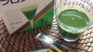 本物の青汁「プログリーン」で野菜不足を補ってみる