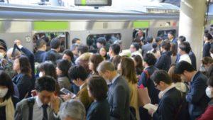 満員電車の立ち位置を考えながら、働き方の未来を想像してみる