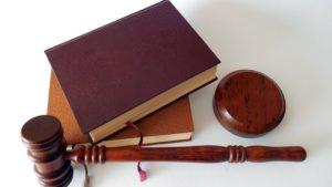 日本に弁護士は何人いる?これからの時代の役割は変わる?